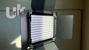 Neewer LED Videoleuchte 660 LED ausgepackt und ausprobiert